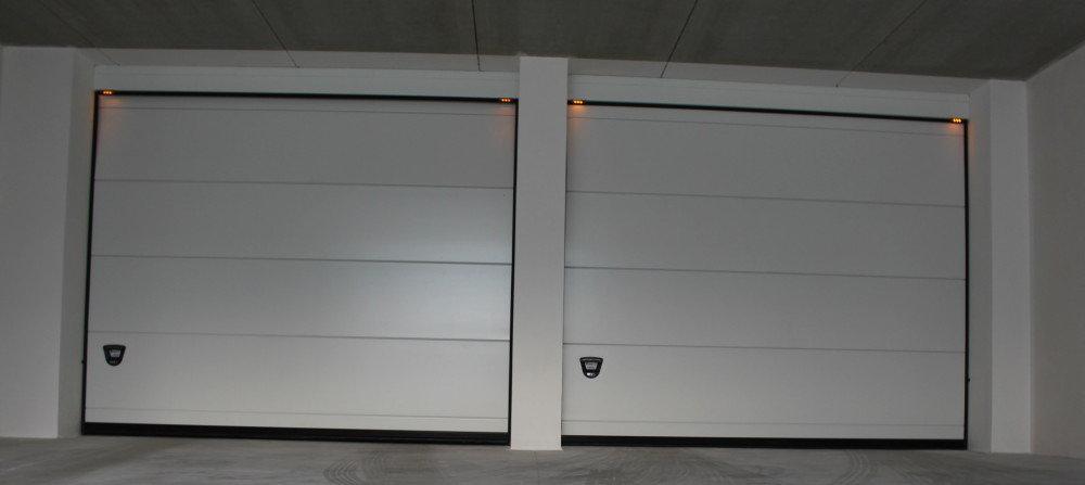 Portone sezionale mod monodoga liscio portoni sezionali for Piani porta garage gratuiti